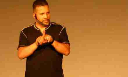 Roka stereo celebra noveno aniversario con stand up comedy
