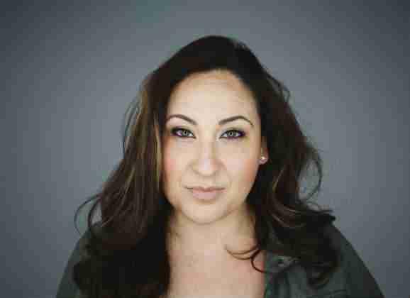 Leann Castañeda presenta su primer sencillo musical «Súplica»
