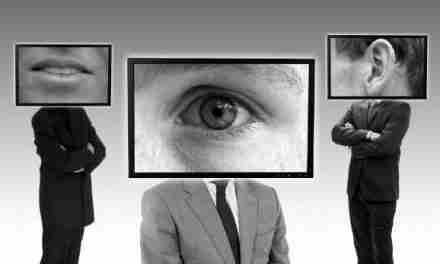Intrusos y espías