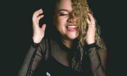 "Andrea Bernal presenta el sencillo ""Rescátame"""