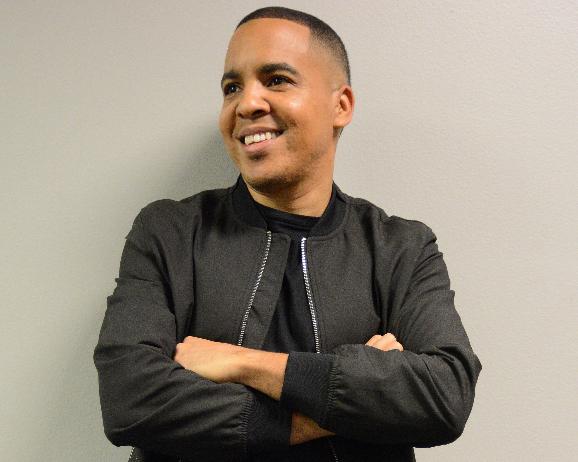 Omar Salas presenta «Yo espero el día alegre», un himno clásico adaptado para la nueva generación