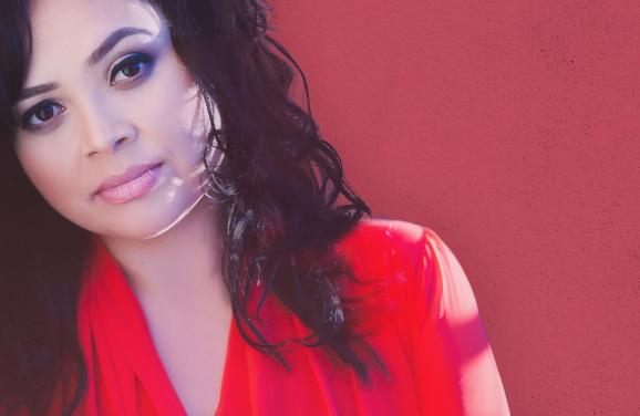 Jennifer Quintanilla estrena la canción y el videoclip «Tú Peleas Por Mí»