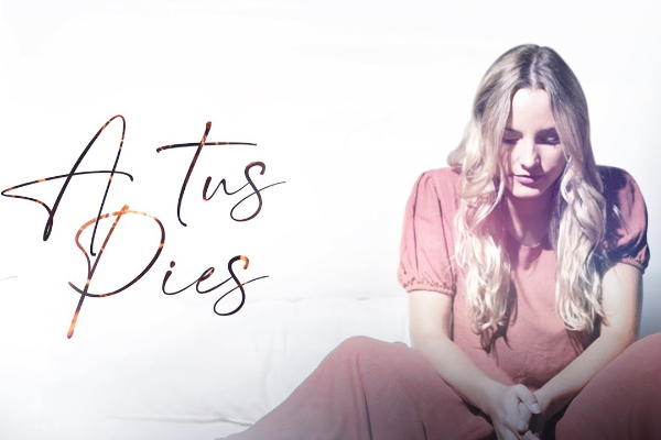 "La cantante argentina Priscila Matiesco estrena ""A tus pies"""